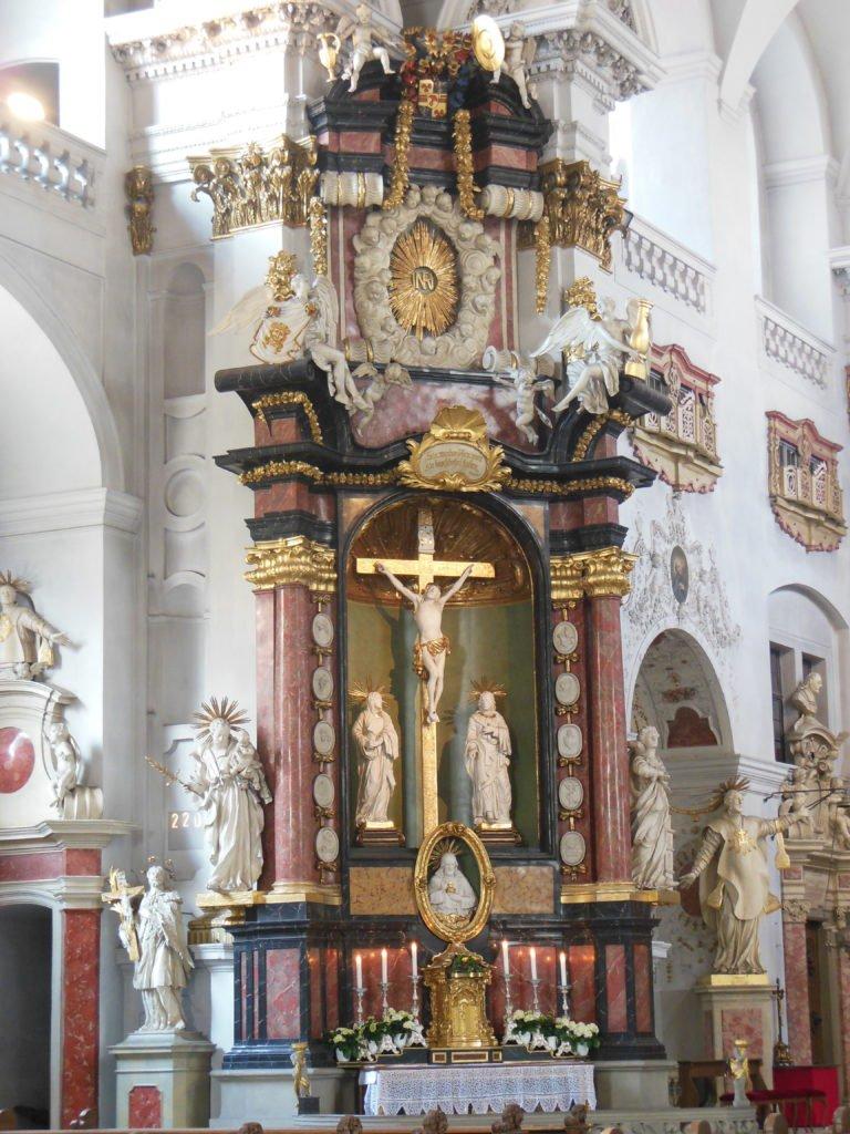 Bild vom Altar in der Pfarrkirche St. Martin in Bamberg
