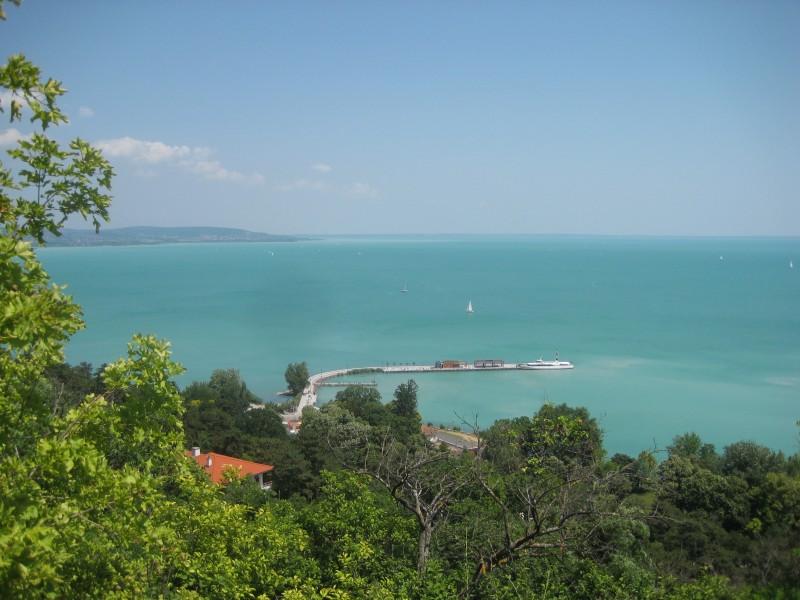 Ausblick über den Balaton von der Halbinsel Tihany aus