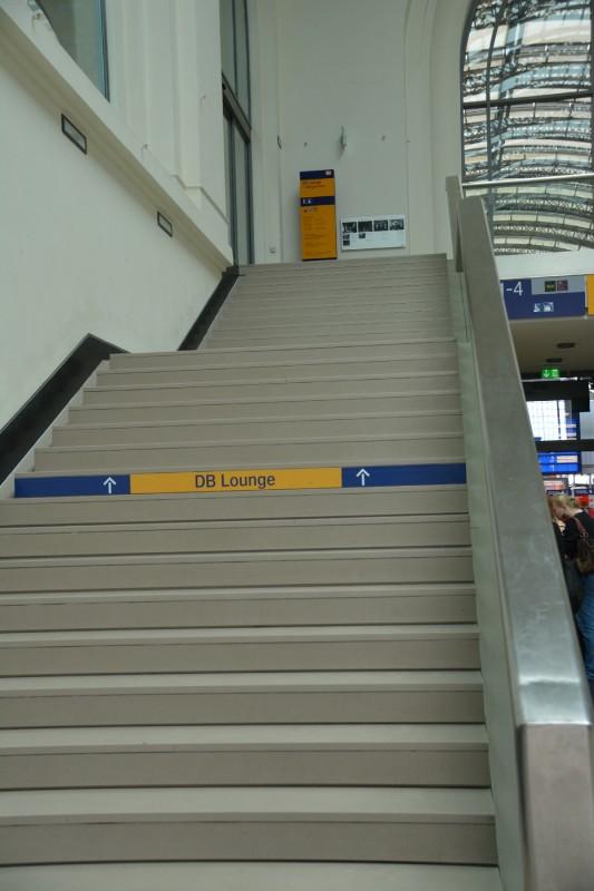 Aufgang zur DB Bahn Lounge Dresden Hauptbahnhof