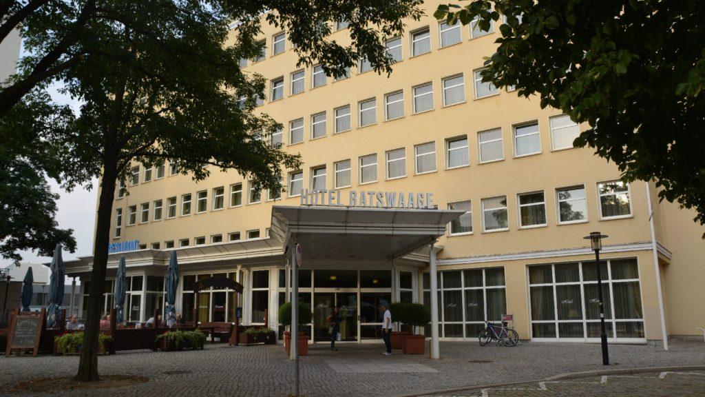Bild von außen vom Hotel Ratswaage Magdeburg