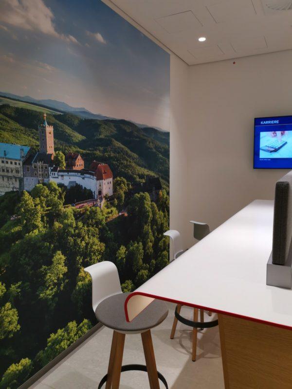 Arbeitsplätze in der neuen Bahnlounge Leipzig