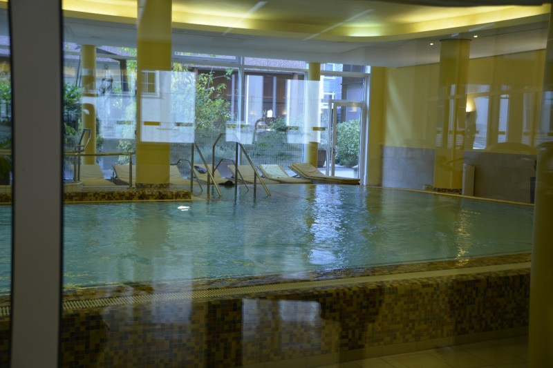 Schwimmbad zum Lindner Dom Residence Hotel Köln