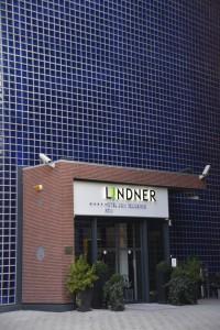 Eingang des Hotel Lindner Dom Residence Köln