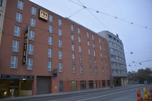 Bild vom NH Hotel Nürnberg City von schräg gegenüber