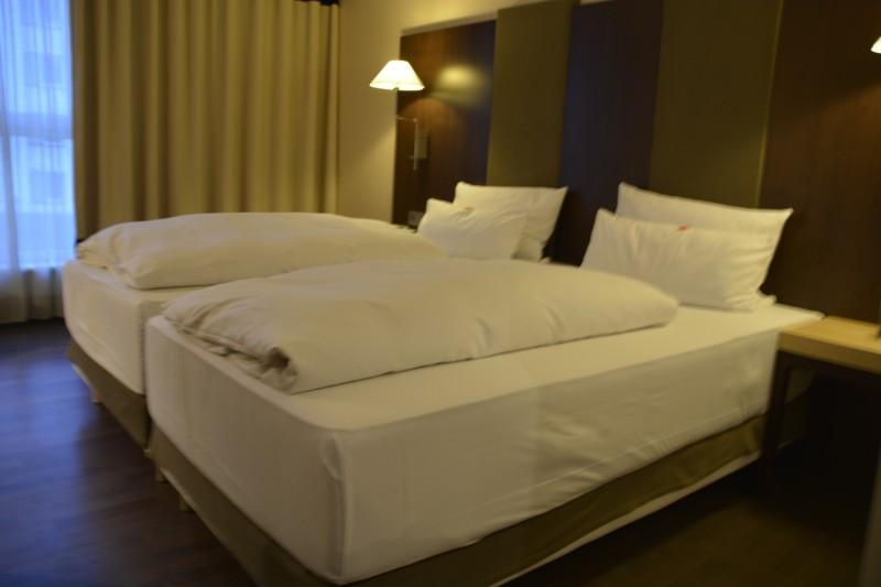 Bett des NH Hotel Nürnberg City