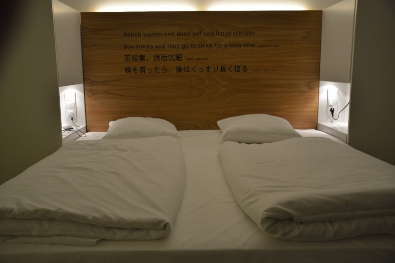 Bett im Hotel Park Plaza Wallstreet Berlin