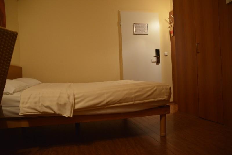 Bett im Star Inn Hotel Regensburg Zentrum