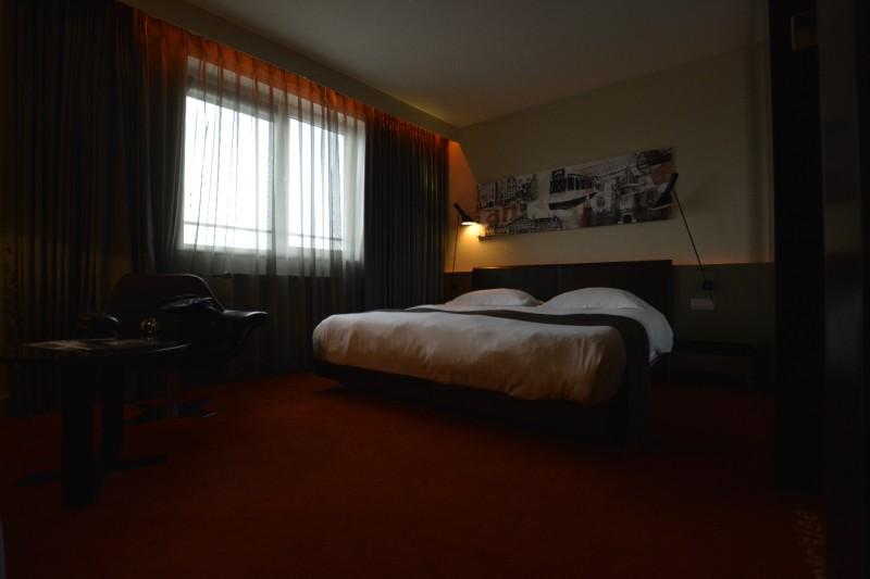 Sehr bequemes Bett im Park Plaza Victoria Hotel Amsterdam