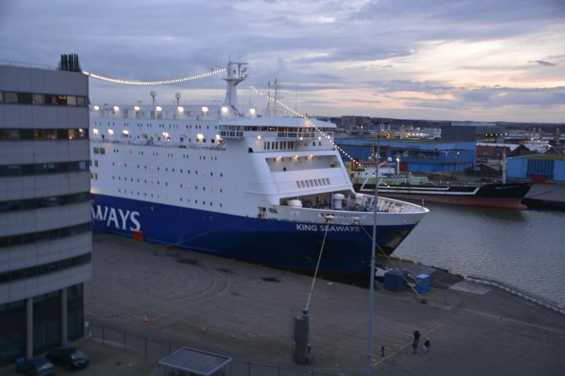KING SEAWAYS, das Schiff, auf dem die Niederländer und die Briten feiern durften