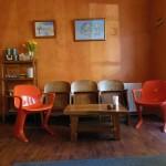Sitze im Aromas Cafe