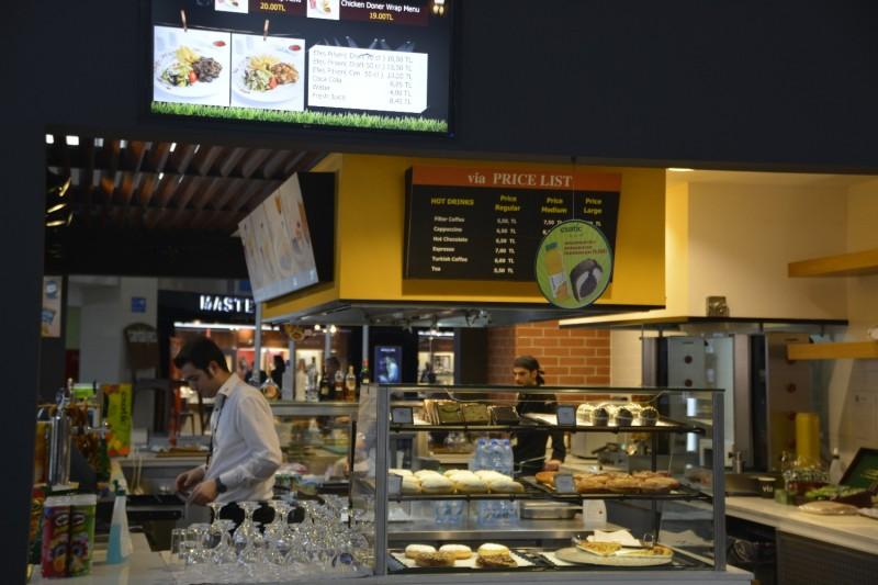Bar im Flughafen Antalya