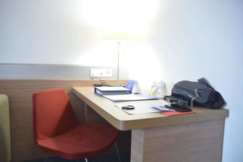 Der Schreibisch im Hotel Concorde de Luxe in Lara / Türkei
