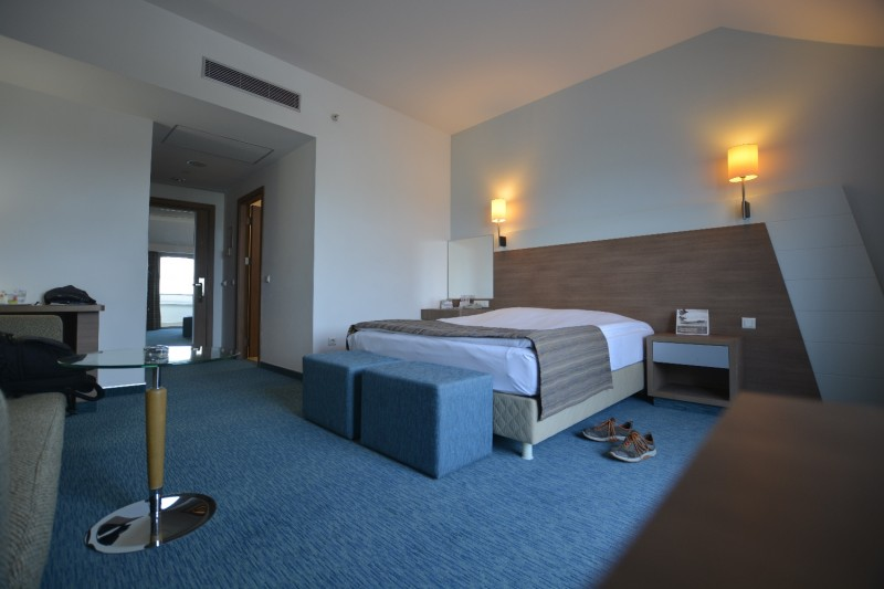 Blick vom Balkon in das Zimmer 7005 de Hotels Concorde de Luxe / Lara