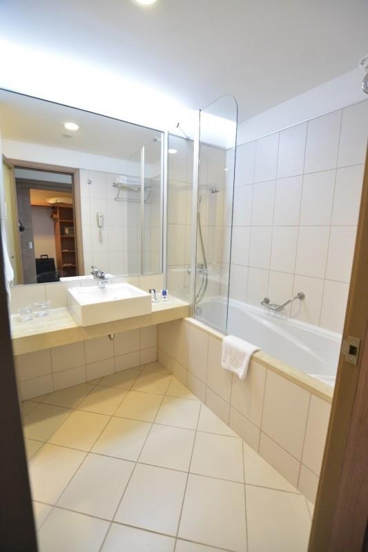 Badewanne in meinem Zimmer im Hotel Concorde de Luxe / Lara