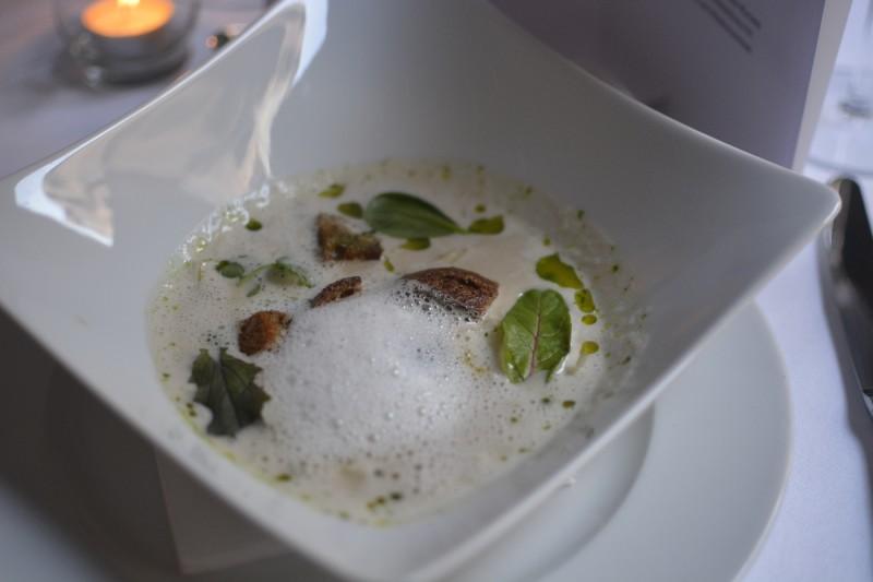 Suppe von gegrillten Fenchel mit Knoblauch und Weißwein im Radisson Blu Schwarzer Bock Wiesbaden zum Malbecworldday