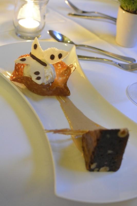 Dulce-de-Leche mit Schokoladen-Nuss-Kuchen beim Dinner zum Malbecworldday im Radisson Blu Schwarzer Bock in Wiesbaden