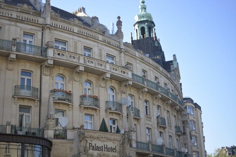 Blick auf das ehemalige Palast Hotel Wiesbaden