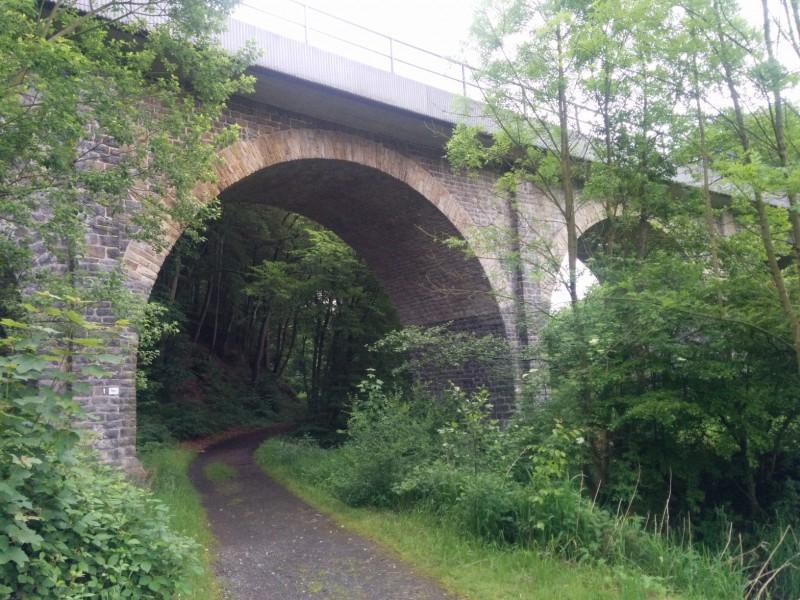 Brücke, kurz nach Nistertal - der Westerwaldsteig geht hier unten durch...