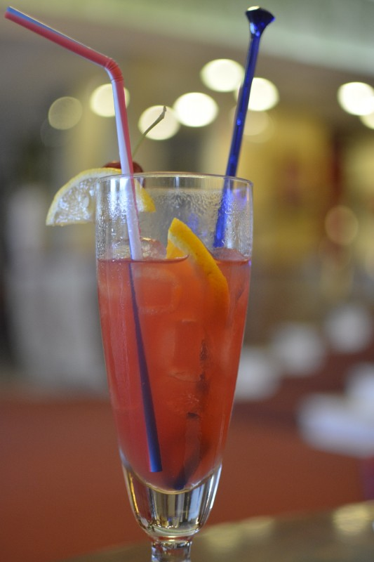 Cocktail im Hotel Excelsior Cesenatico