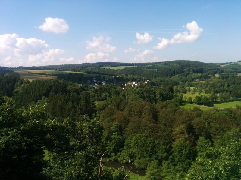 """Westerwaldsteig Etappe 10: Aussicht vom Aussichtspunkt """"Hohe Ley"""""""