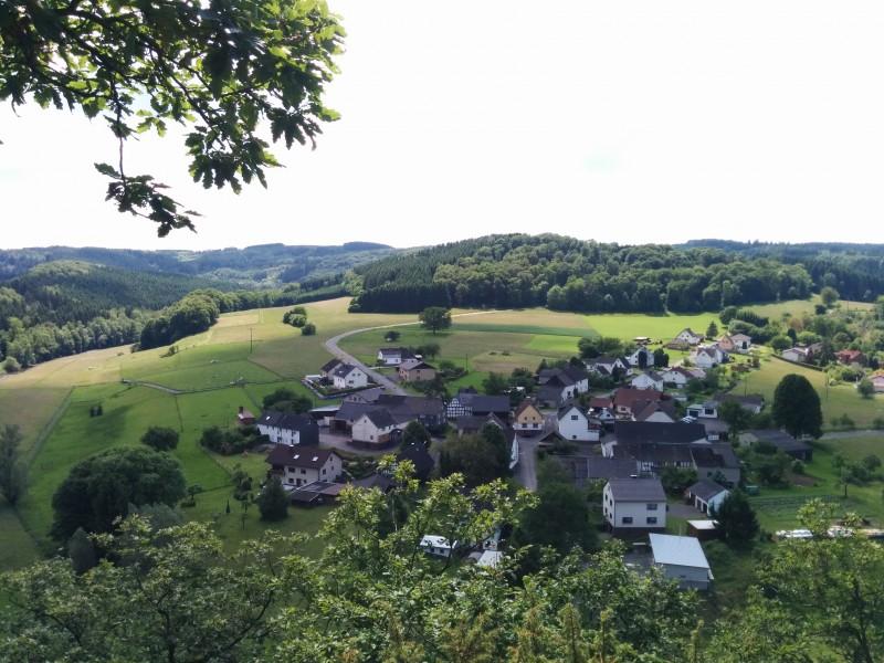 """Westerwaldsteig Etappe 10: Aussicht vom Aussichtspunkt """"Spitze Ley"""""""