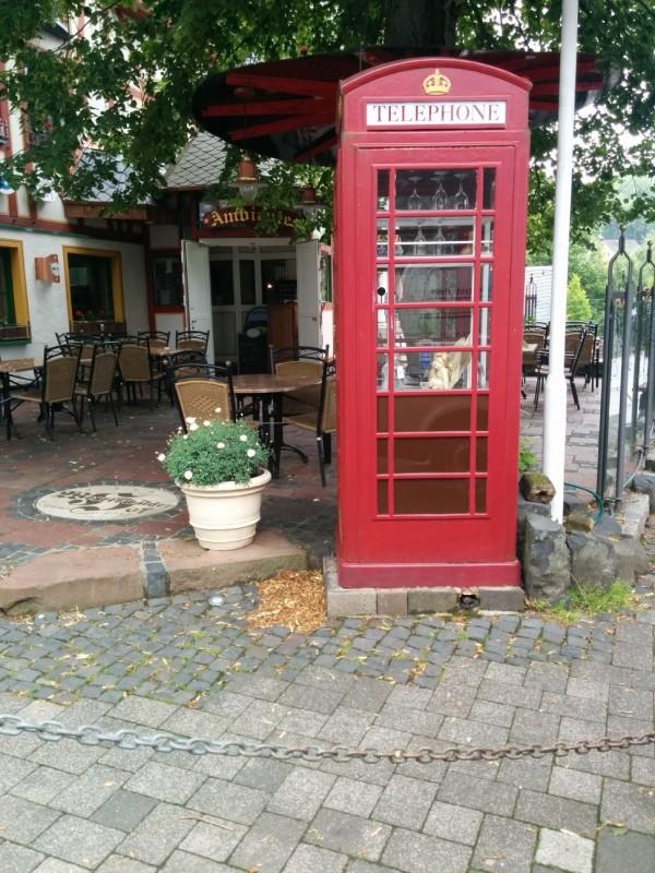 Die erste von mehreren englischen Telefonzellen, die ich im Westerwald sah..
