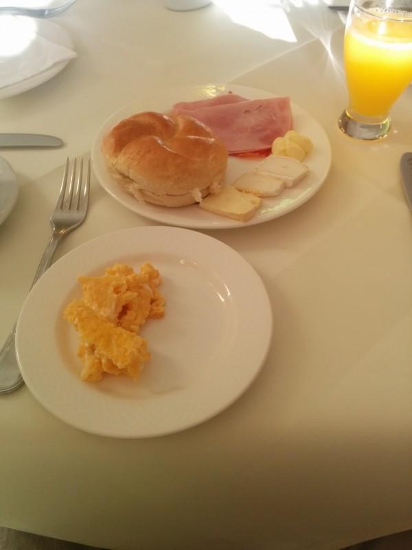 Mein Frühstücksteller (mehr zum Frühstück im kommenden Beitrag zum Hotel Höldrichsmühle)
