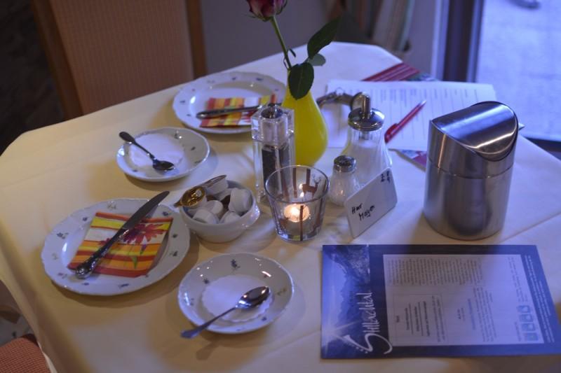 Frühstückstisch im Hotel Stillachtal