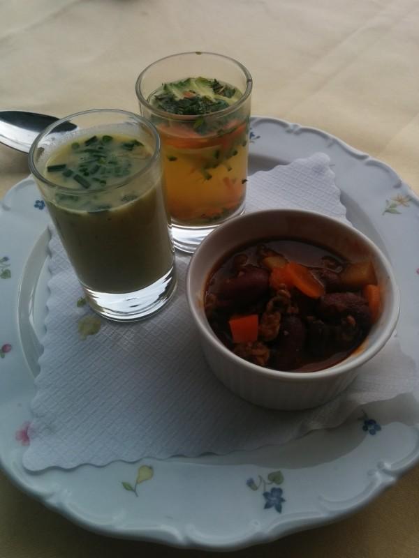 Suppen und Chili als Vorspeise