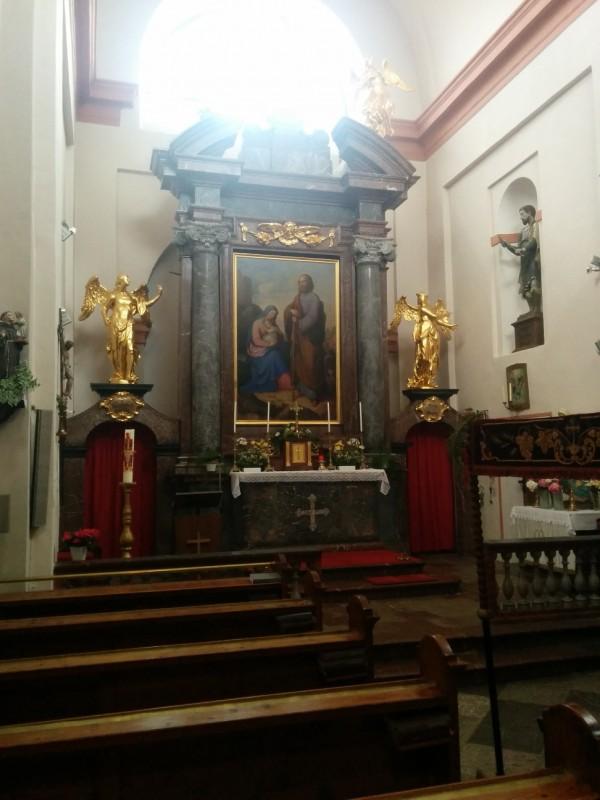 Hochaltar in der Kirche Hl. Josef auf dem Josefsberg an der Via Sacra