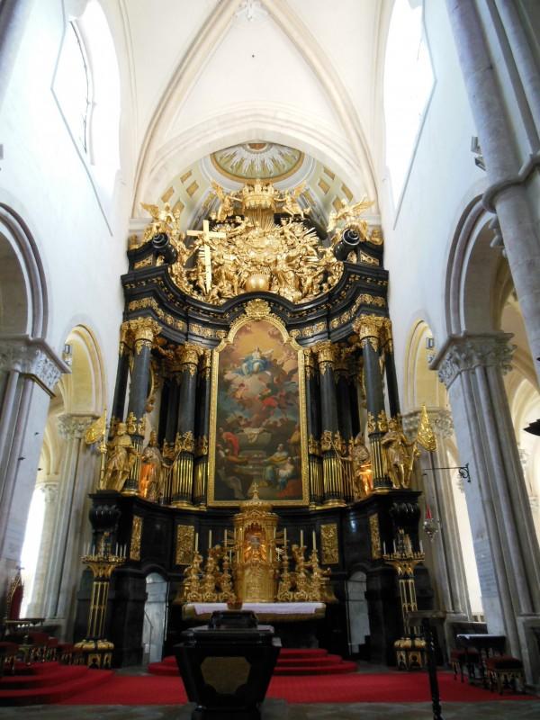 Hochaltar in der Stiftkirche Lilienfeld (19 m ist dieser hoch!)