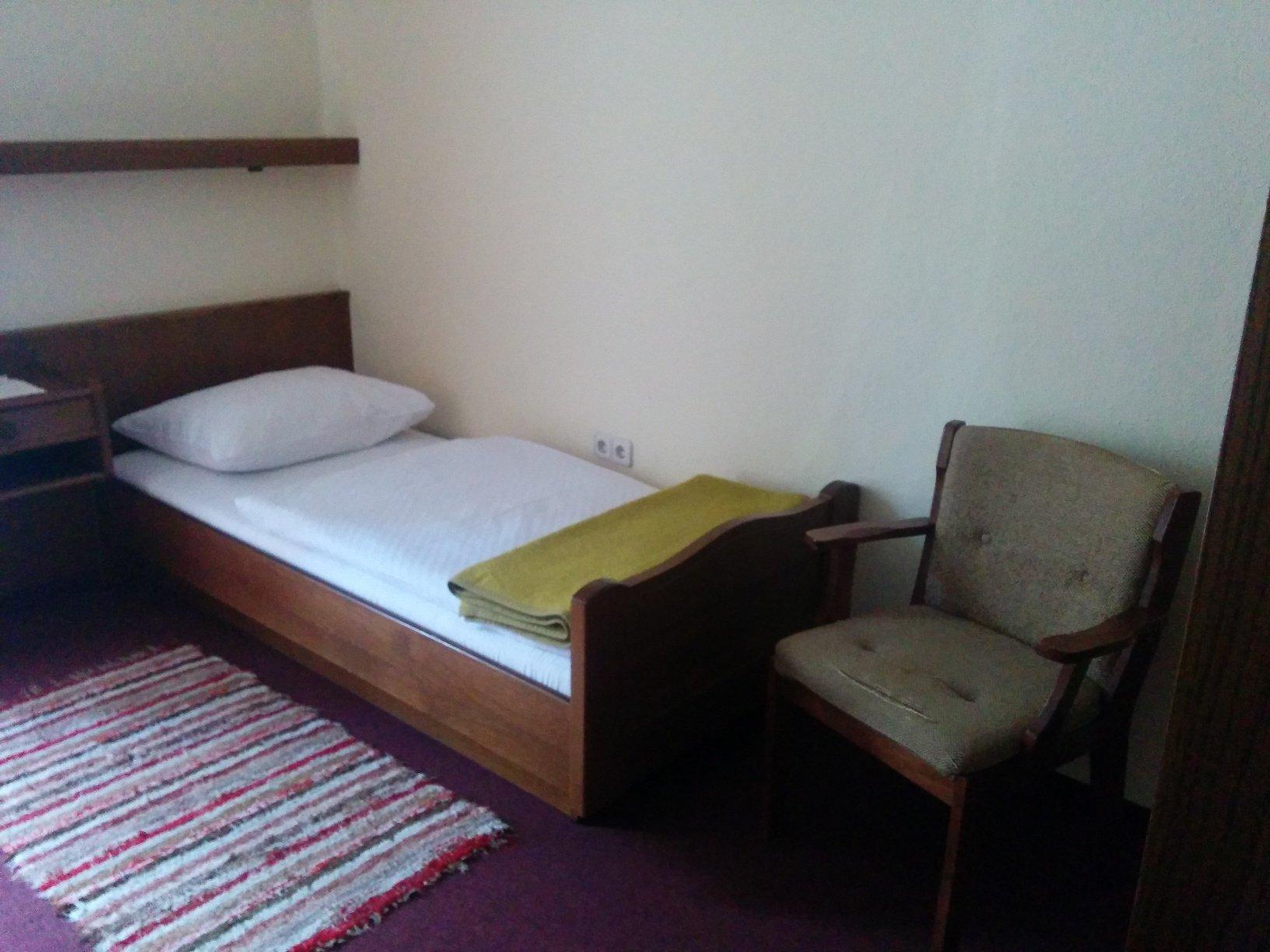 Mein Bett im Gasthof Meyer in Annaberg an der Via Sacra