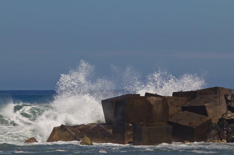Meeresgewalt in Puerto de la Cruz (Foto: Phil Clever vom Reiseblog Killerwal; alle Rechte bei ihm, danke dass ich das Bild verwenden darf)