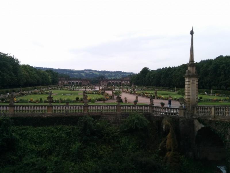 Blick in den Garten des Schlosses Weikersheim