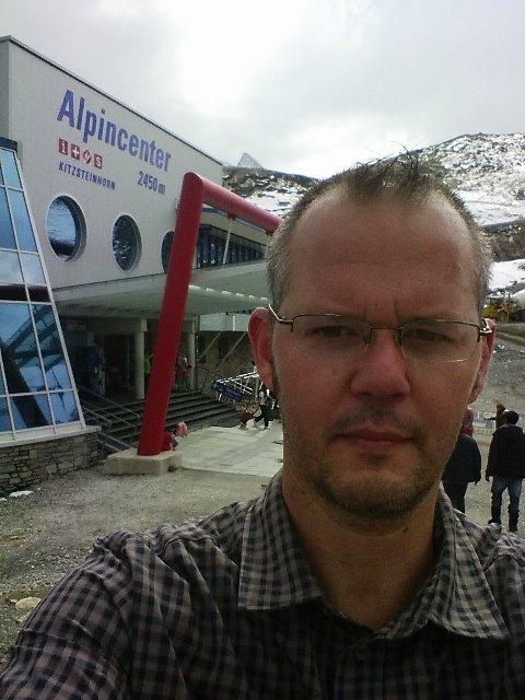 Selfie vor dem Alpincenter am Kitzsteinhorn