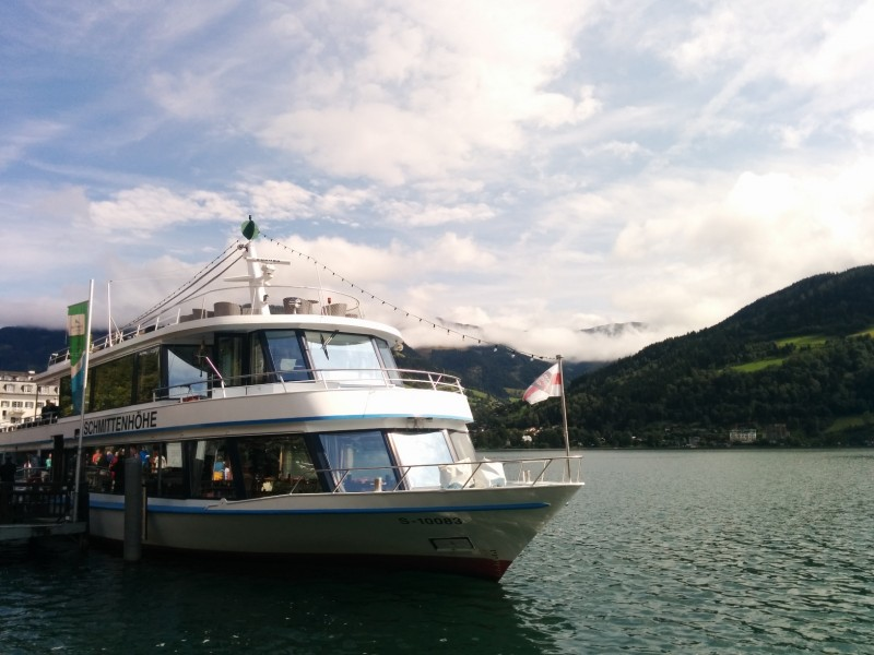 Die MS Schmittenhöhe an ihrem Anleger in Zell am See