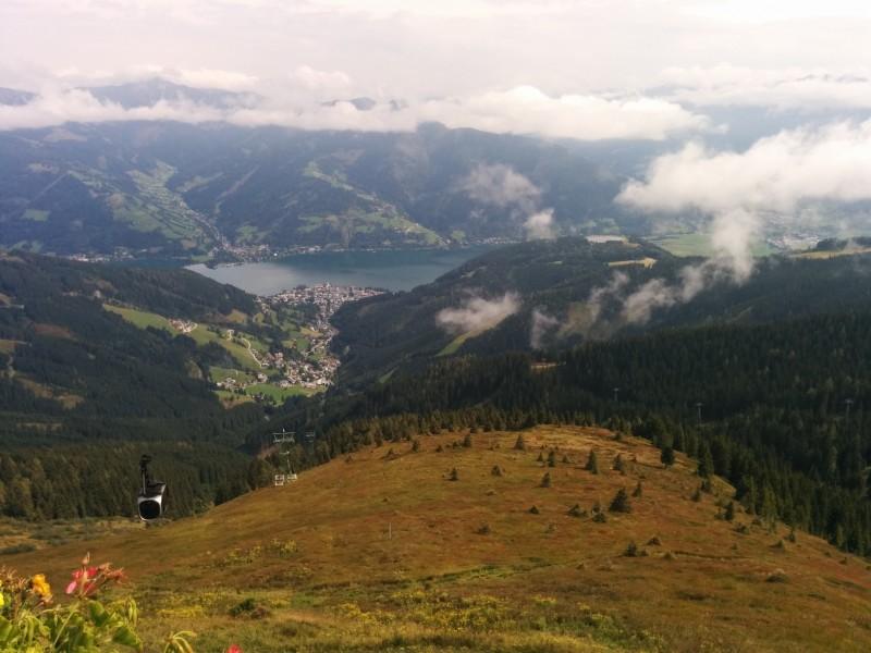 Freie Sicht auf Zell am See und den Zeller See von der Schmittenhöhe aus