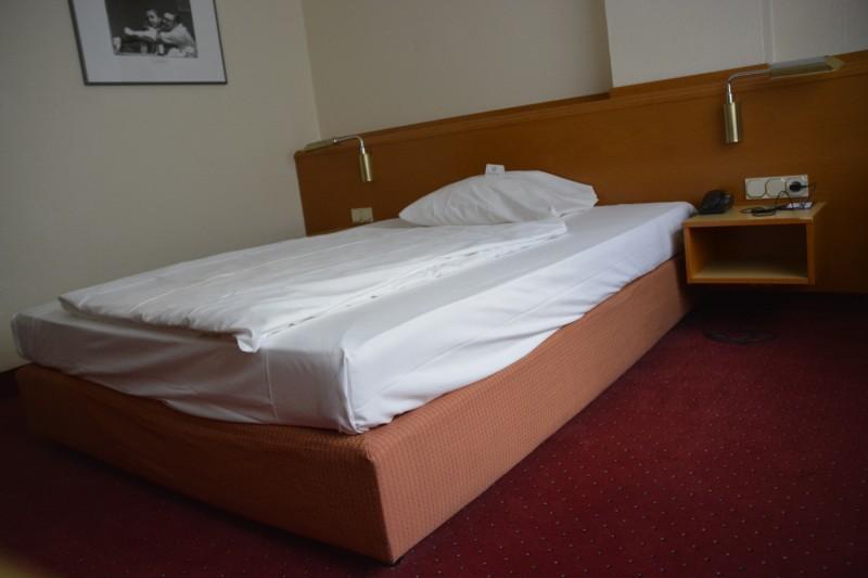 Mein Bett im Mercure Saarbrücken City
