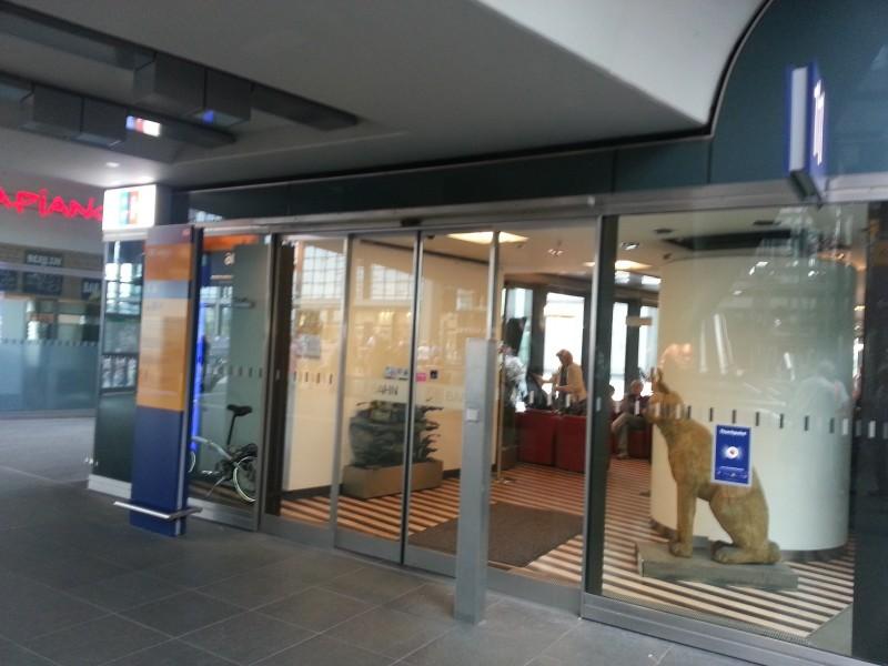 Eingang zur Bahn Lounge im Berliner Hauptbahnhof