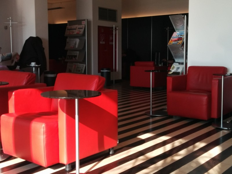 Blick in den hinteren Teil der Bahn Lounge Berlin