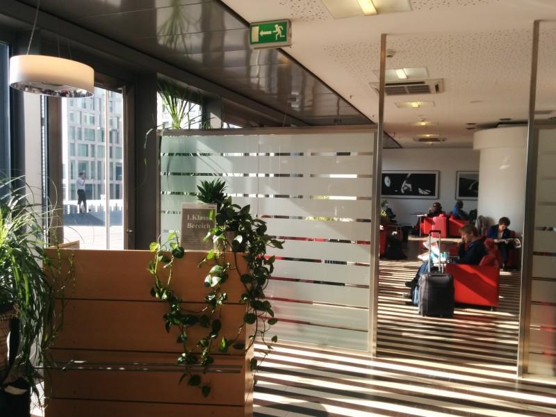 Eingang zum 1. Klasse Bereich der Bahn Lounge Berlin