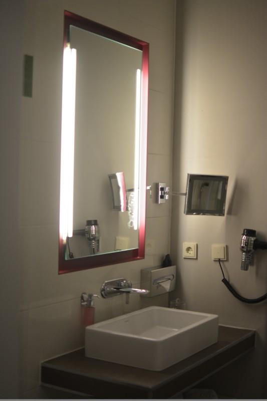 Waschbecken im Hotel Gendarm nouveau