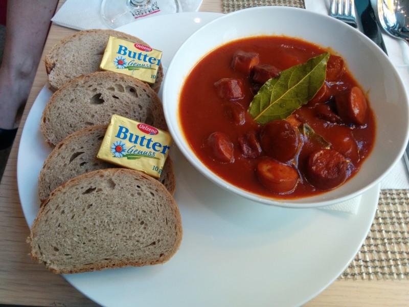 Currywurst im Hotel Gendarm nouveau Berlin