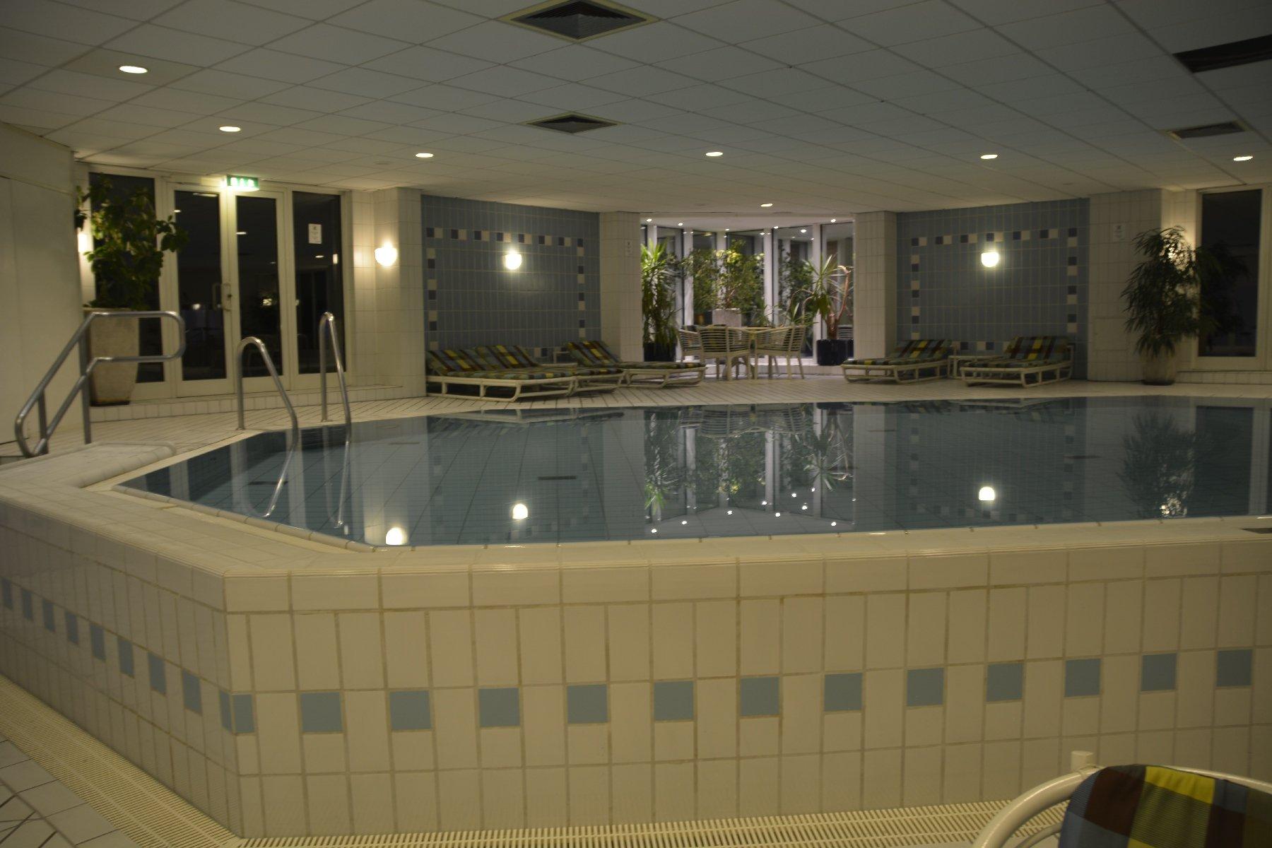 Pool karlsruhe kunst schwimmbad und saunen - Pool karlsruhe ...