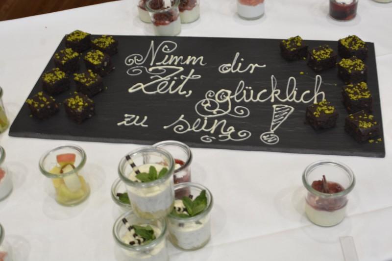"""""""Nimm Dir Zeit, glücklich zu sein"""" - und dazu leckerst Schokokuchen im Radisson Blu Frankfurt"""