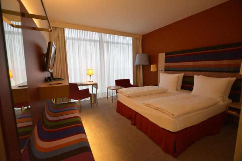 """Mein Zimmer 1220 aus der """"Fashion"""" Designlinie des Radisson Blu Frankfurt"""