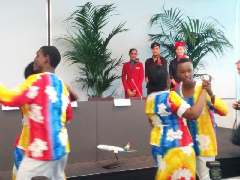 Tänzer bei der Pressekonferenz der Seychellen, dem Fernreisepartnerland der CMT 2015