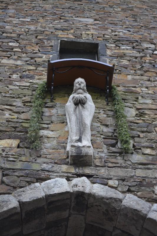 Mutter Gottes über dem Ahrtor stadtauswärts in Ahrweiler