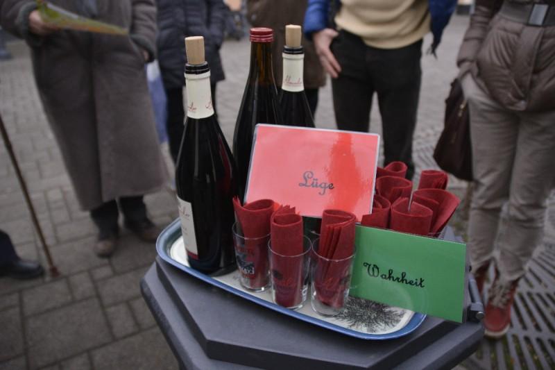 """Weinprobe auf dem Blankartshof Ahrweiler zu Beginn der Stadtführung """"In Vino Veritas"""""""