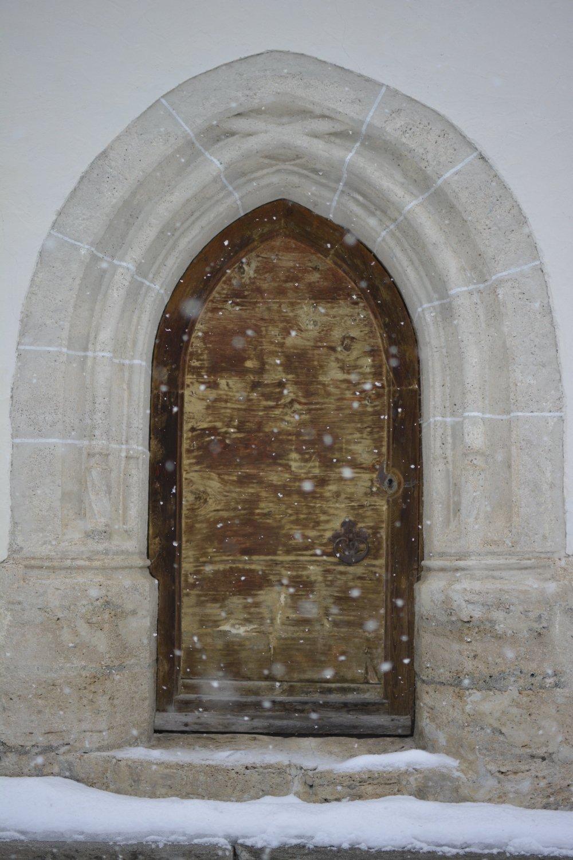 Seitenpforte der Wallfahrtskirche Kaltenbrunn